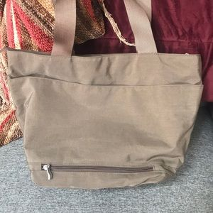 Baggallini Bags - Baggallini zippered Tote with matching wallet